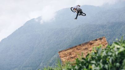 Layos and Gül brew up some dirt-jump line magic